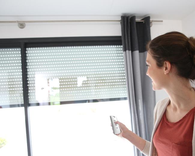Persianas el ctricas e instalaci n cerramientos en - Estores para balcones ...