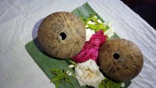 Sepasang Batok Bolu Isi Watu Aji