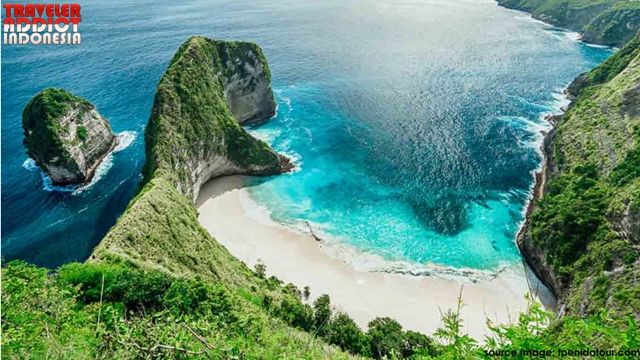 The steep cliffs, which look like whales, are on the Kelingking beach of Nusa Penida, also known as coral cliffs