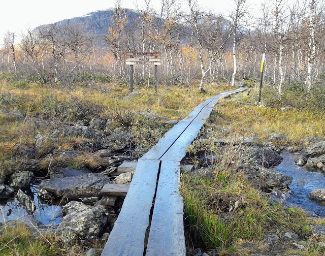 Kolmen valtakunnan rajapyykille osa reitistä on kivistä maastoa