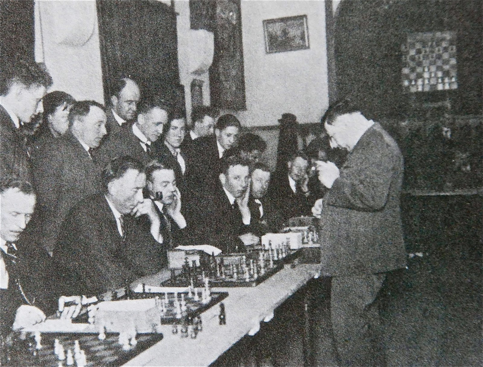 Boylston Chess Club Weblog: CHESS HISTORY IN PHOTOS