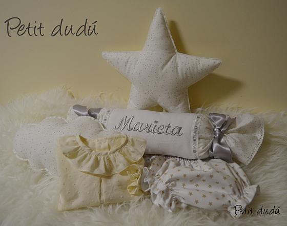 Rulo, Cojín Nube, Cojín Estrella y ropa bebé Petit dudu