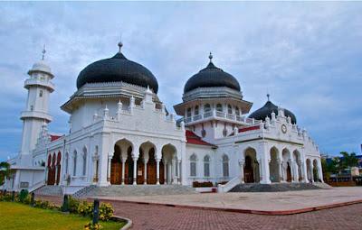 http://www.learnsejarah.com/2017/02/sejarah-masuknya-agama-islam-di.html