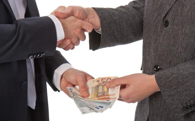 """Αργά """"ανακάλυψαν"""" την πολιτική διαφθορά στα Βαλκάνια"""