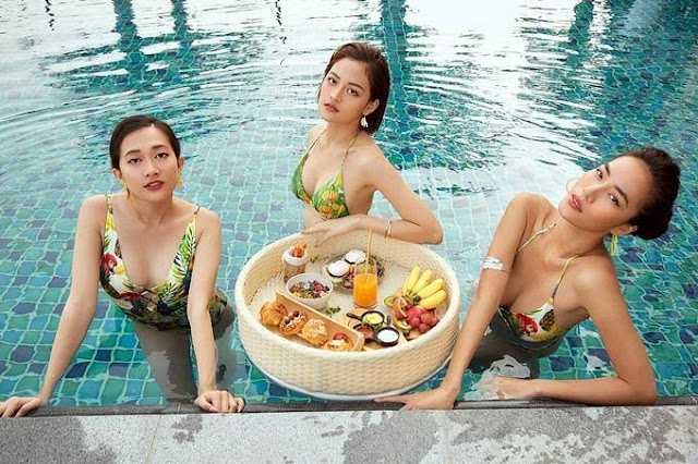 Lan Ngọc diện bikini bên hội bạn thân