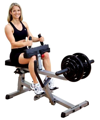 Pantorrilla sentada mujer ejercicio rutina