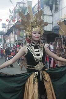 """[FOTO] Penampilan """"Nyi Pohaci Leuweung Seni"""" Di Cap Go Meh Bogor 2020"""