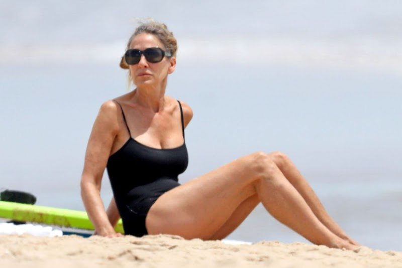 Sarah Jessica Parker Clicked in Swimsuit at a Beach in Hamptons 21 Jun -2020