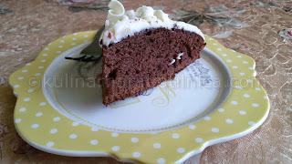 Шоколадова торта с крем рикота и бял шоколад
