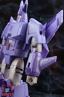 Transformers Kingdom Cyclonus 09
