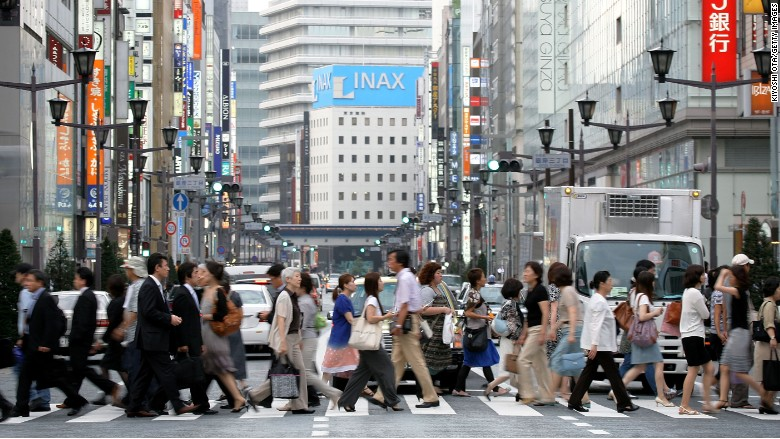 Japan needs 345,000 foreign workers, families allowed to go