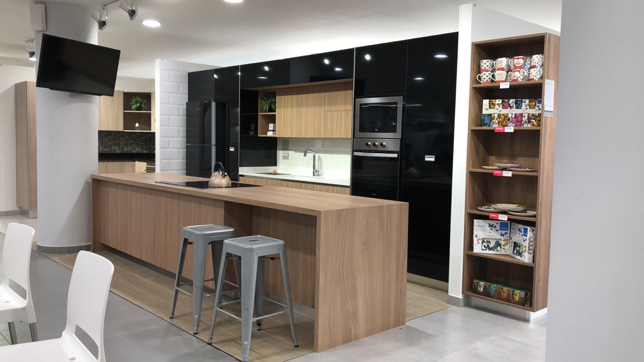https://www.notasrosas.com/Corona Presenta Tendencias 2021 Para Renovar Tu Cocina