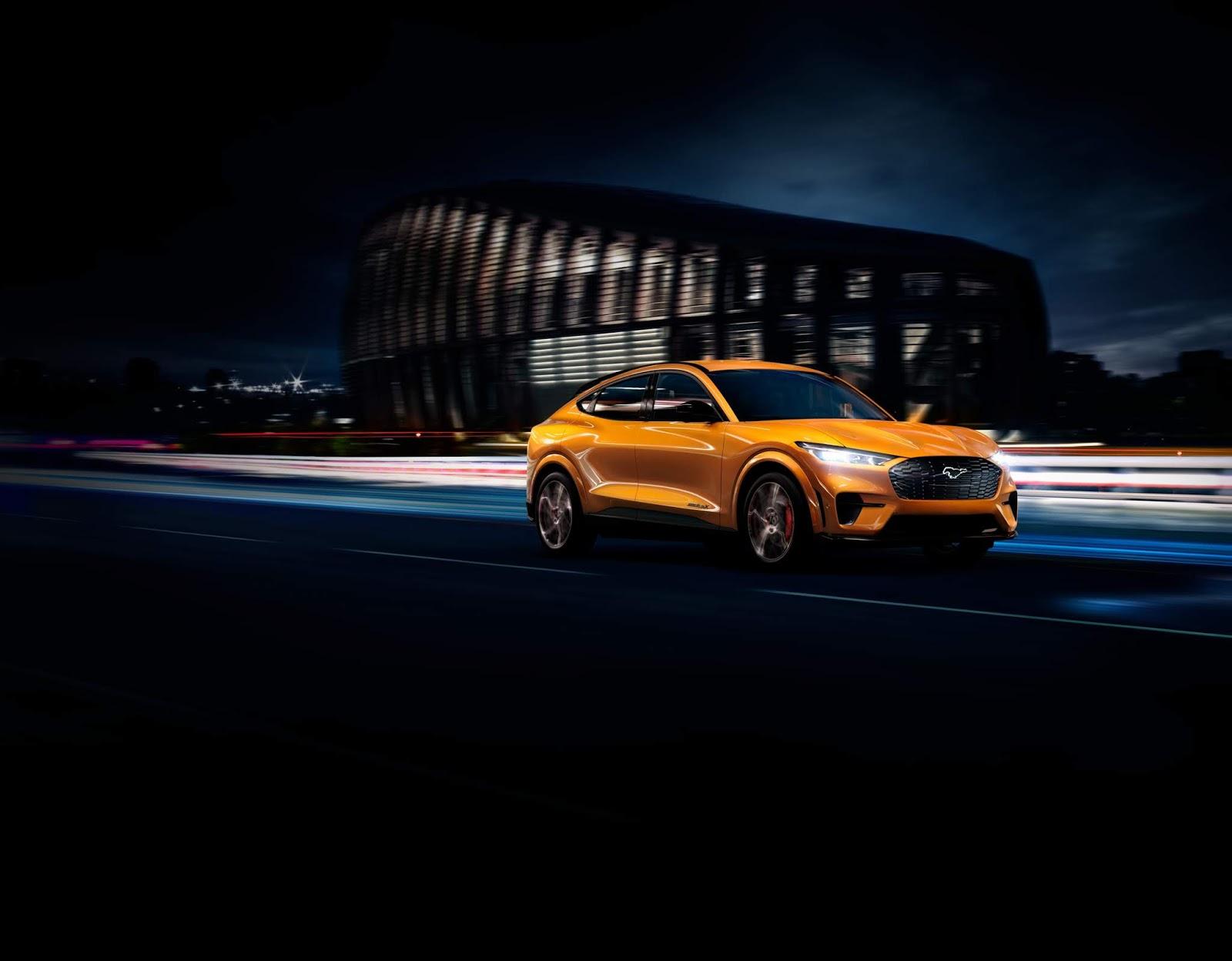 Ford ofrecerá el color Cyber Orange en el Mustang Mach-E GT