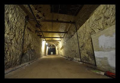Melihat Bunker Anti Nuklir dan Bom , Bekas Perang Dunia Jerman