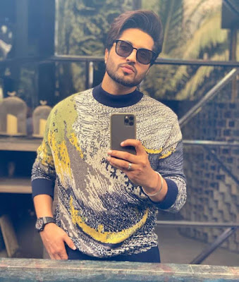 Jassi Gill whatsapp Number, Wiki, Girlfriend, Family, Height, Weight, Age, Biography & More