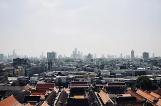 Foto imagem de uma cidade vista do alto ilustrando artigo sobre redução de juros no financiamento imobiliário pela poupança.