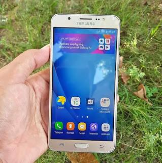 Samsung 2 Jutaan RAM 3 GB