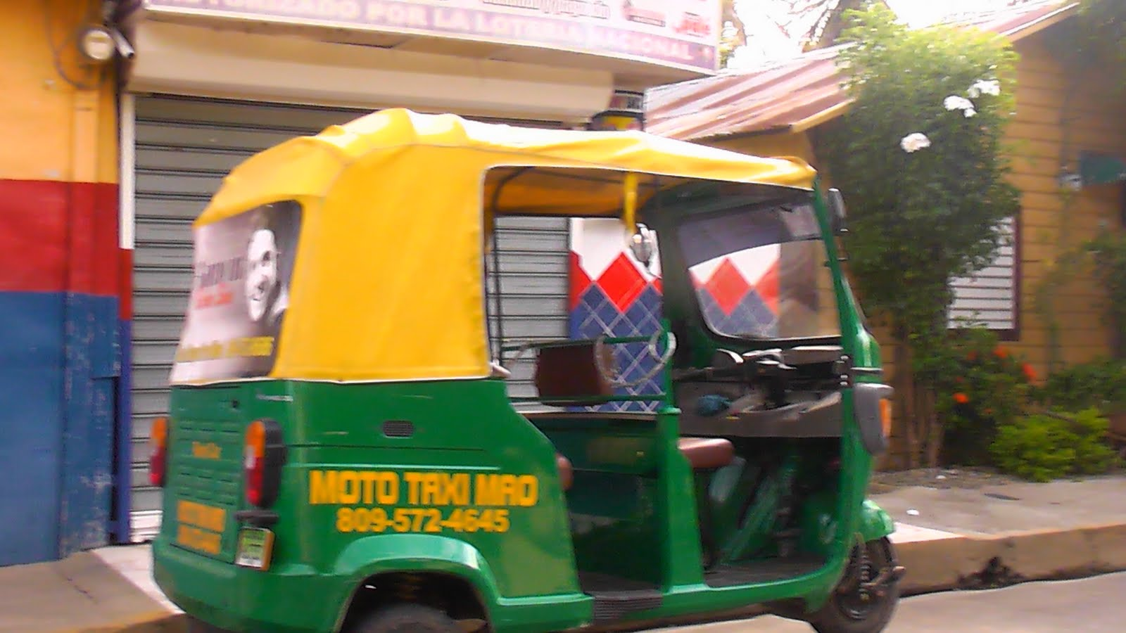 moto taxi Desde este martes los mototaxis y los golfitaxis son considerados ilegales, pues no entraron dentro de los sistemas de movilidad que se publicaron en la ley.