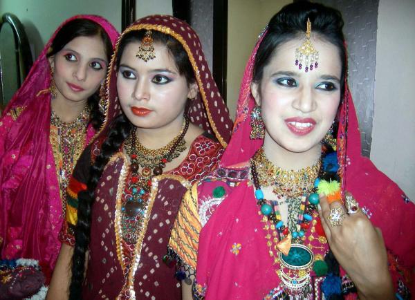 Pakistani Province Sindh S Girls Sindhi Culture Cothes