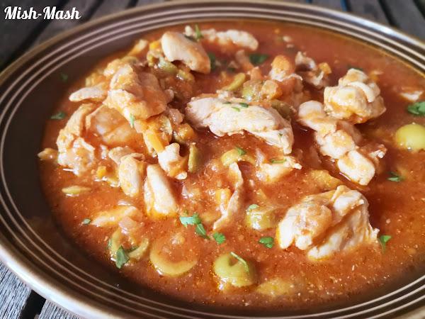 Пилешка яхния с чушки и маслини