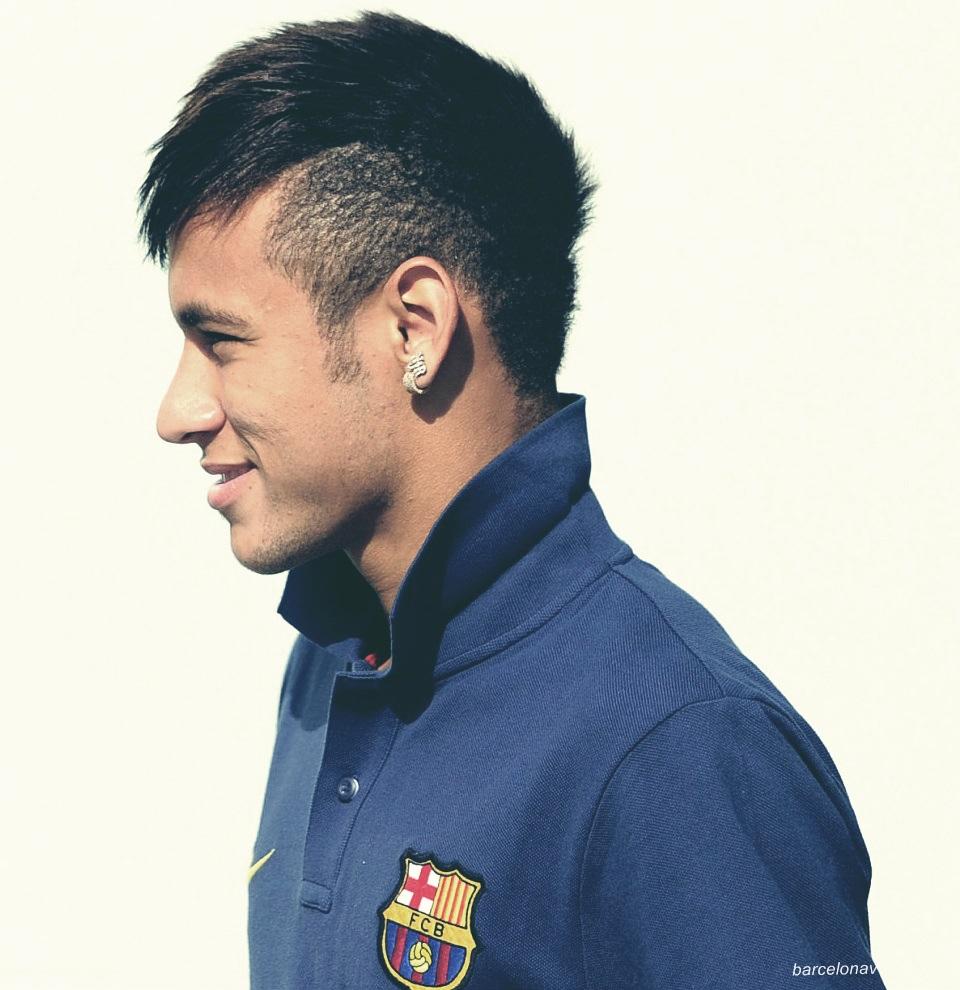 Foto Neymar dari Samping - Membuat Siluet Wajah Dari Samping Di Photoshop Dengan Mudah