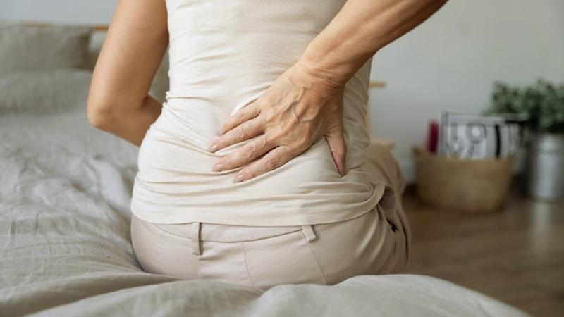 Her bel ağrısı fıtık belirtisi midir?