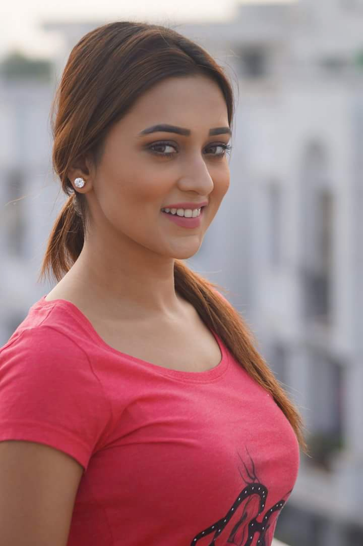 Mimi Chakraborty Hot Sexy Best Photo Collection  Actimg -8879