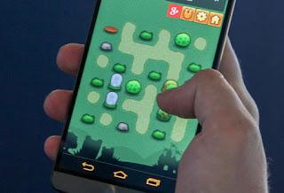 giocare su smartphone con una mano
