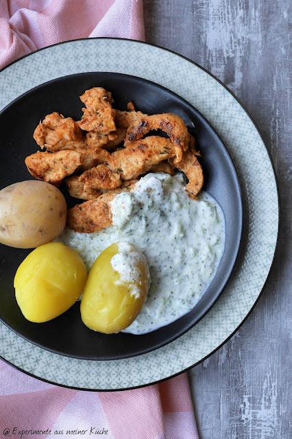Experimente aus meiner Küche: Hähnchengyros mit Zazikidip zu Pellkartoffeln