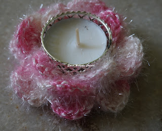free crochet tea light candle holder pattern, free crochet floral motif pattern, free crochet rose motif pattern