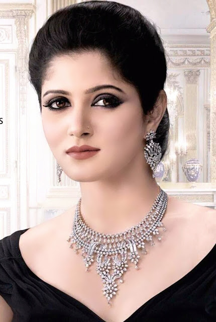 Srabanti Chatterjee In Jewelry