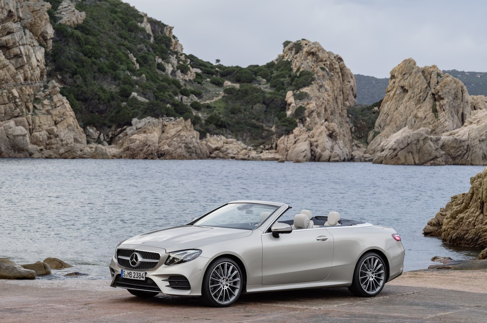 2018 mercedes benz e class convertible looks better than ever 69 pics carscoops. Black Bedroom Furniture Sets. Home Design Ideas