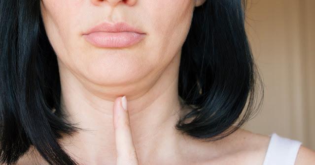 Réduisez le double menton en un seul exercice : renforcez vos muscles faciaux