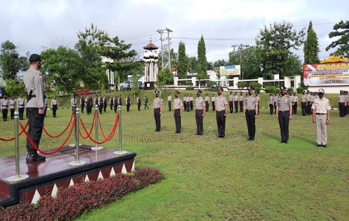 63 Personel dan 7 ASN Polres Lampura Mendapat Raport Kenaikan Pangkat