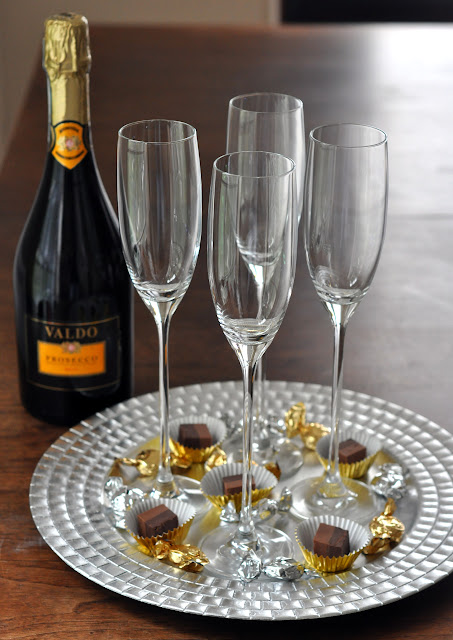Tray of Champagne Flutes | Taste As You Go