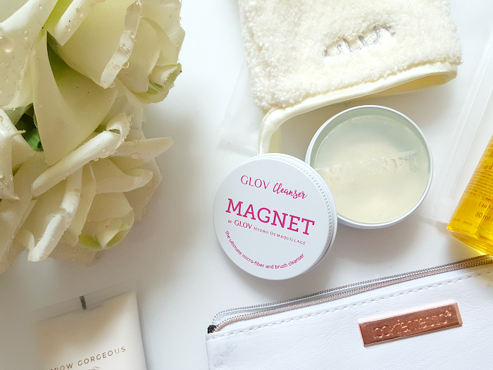Summer Beauty Travel Essentials GLOV Cleanser Magnet - Madame Keke Luxury Beauty & Lifestyle Blog