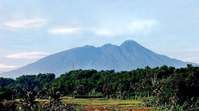 Nama Gunung Salak Bukan Berasal dari Buah Salak