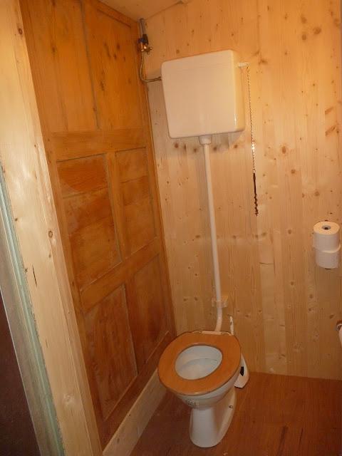 cooles WC, Holz, Spezialanfertigung, Drehslerei WC