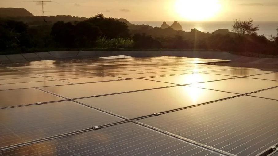 Transição energética transforma Fernando de Noronha em 'Ilha Inteligente'