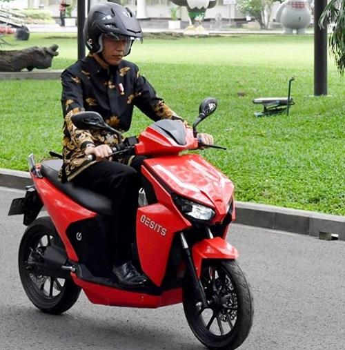 Motor Listrik Gesits di Kendarai Bapak Jokowi