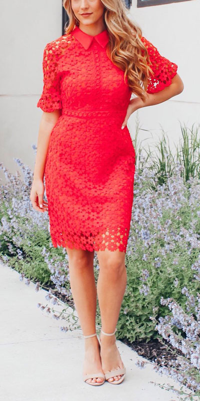 The holidays are here, these simple but cute festive outfit ideas are ready to help you shine glamorously in your upcoming Instagram photos. Holiday Fashion + Style via higiggle.com | Red lace dress for valentine | #dress #holiday #christmas #valentine