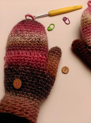 tutorial Como hacer unos guantes a ganchillo en un pispas por L de Lana