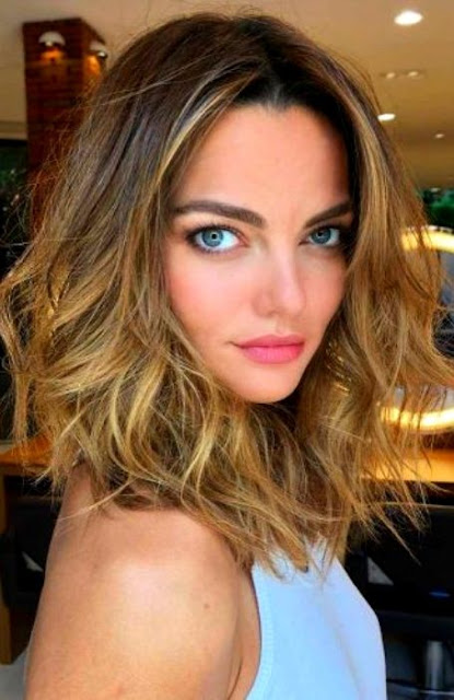 Centre Parted Medium Length Hairstyle - Medium Length Hairstyle and Haircuts For Women
