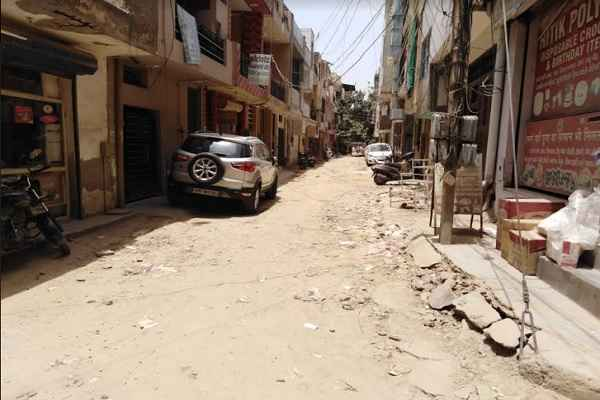 sector-7-housing-board-colony-road-construction-not-completed-in-1-year