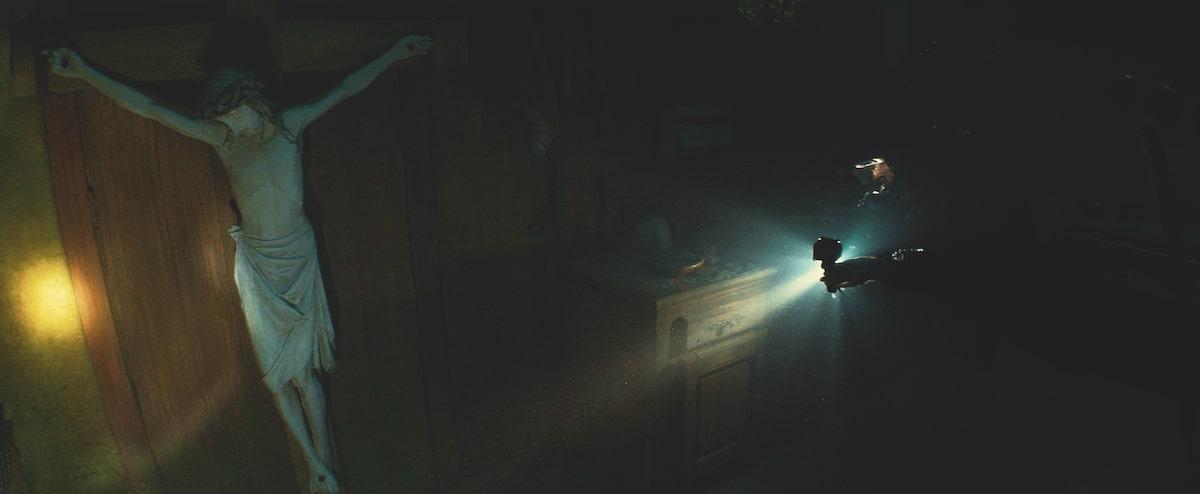Первые кадры подводного хоррора The Deep House про блогеров и маньяка - 14