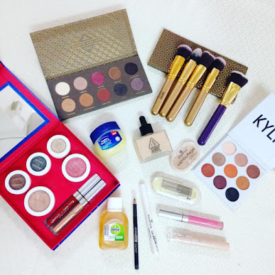BIG SALE PREVOLED MAKEUP!