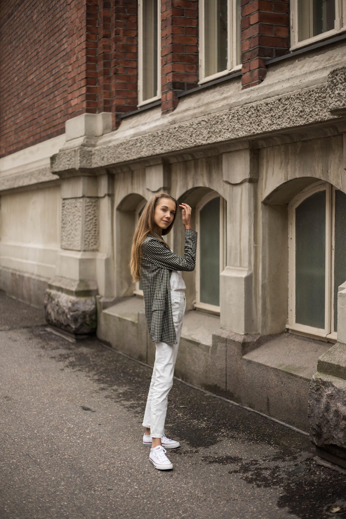Kuinka käyttää kokovalkoista asua syksyllä // How to wear all white in autumn
