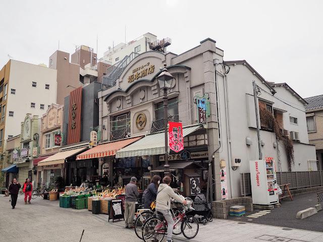 亀戸香取勝運商店街 看板建築