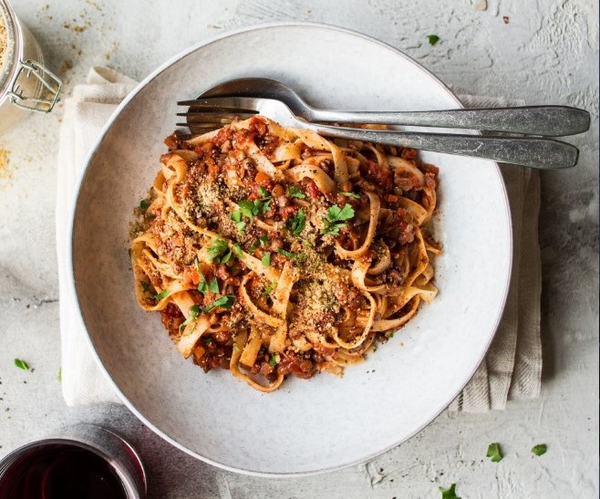 Lentil Bolognese Sauce with Mushrooms #vegetarian #plantbased