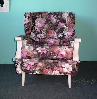 fotel uszak po odnowieniu, zmianie tapicerki na kwiatową